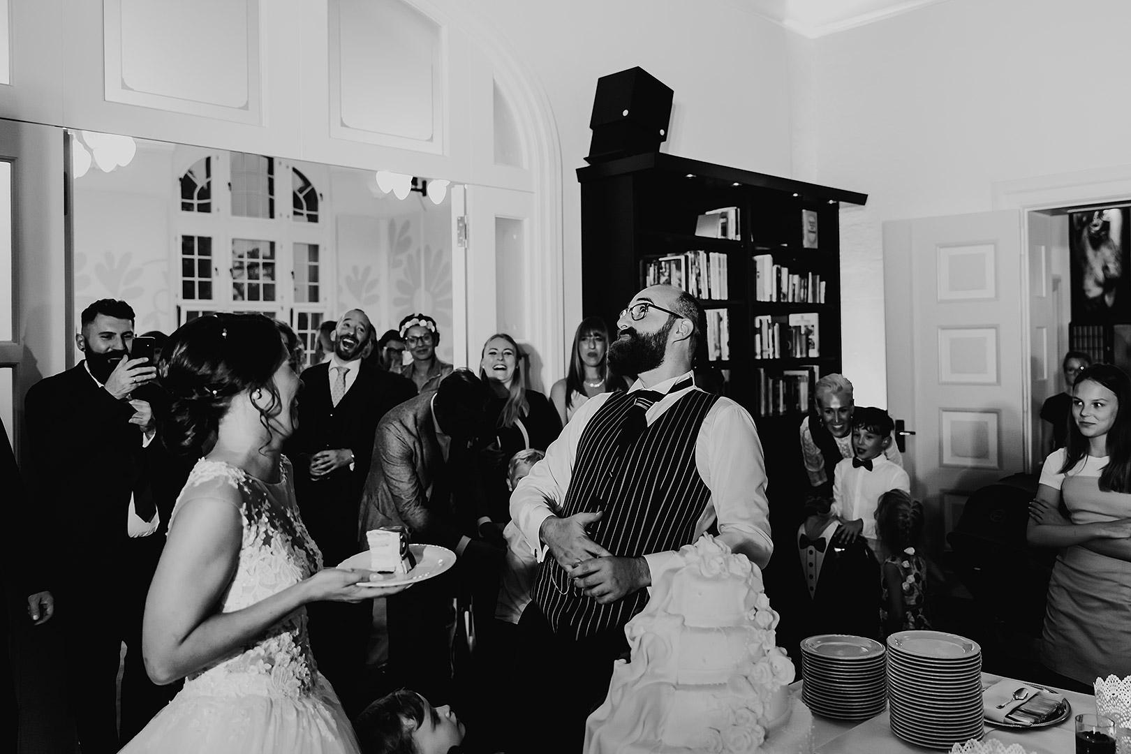portrait_wedding_maggiundphilip_kirche_41