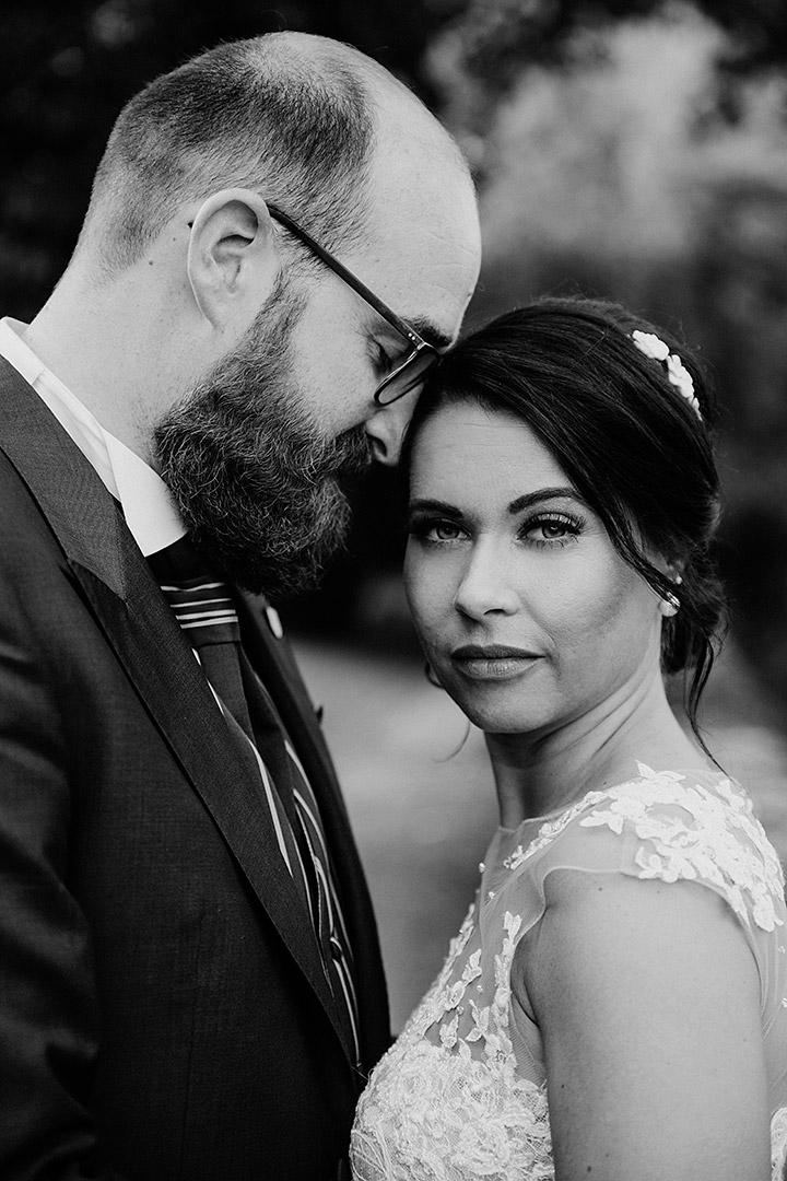 portrait_wedding_maggiundphilip_kirche_64