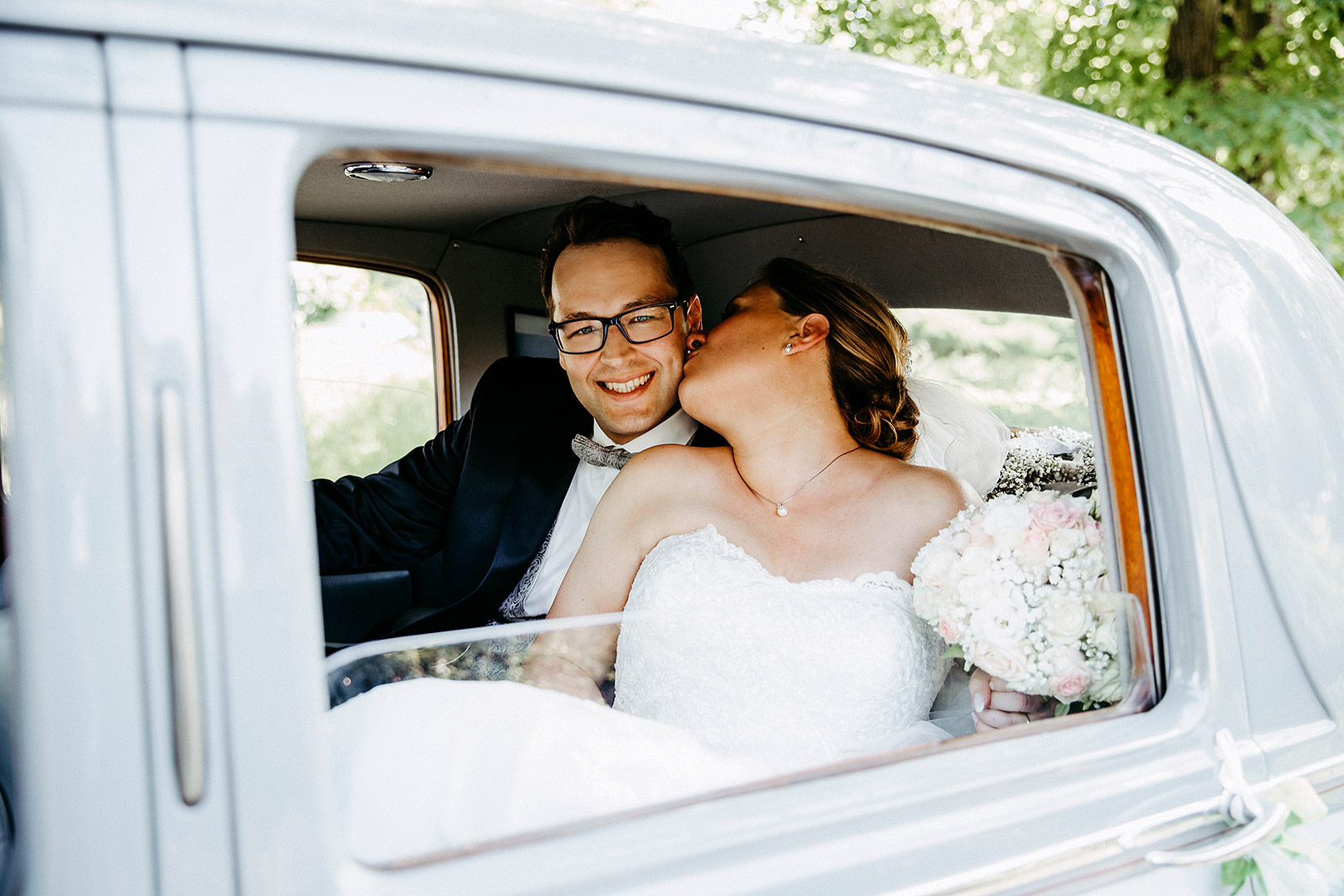 portrait_wedding_sandraundmichael_kirche_12