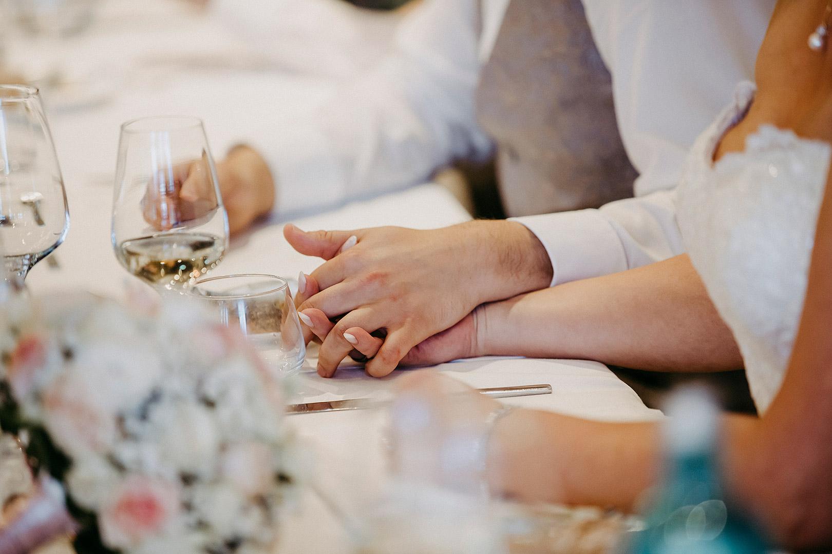 portrait_wedding_sandraundmichael_kirche_30