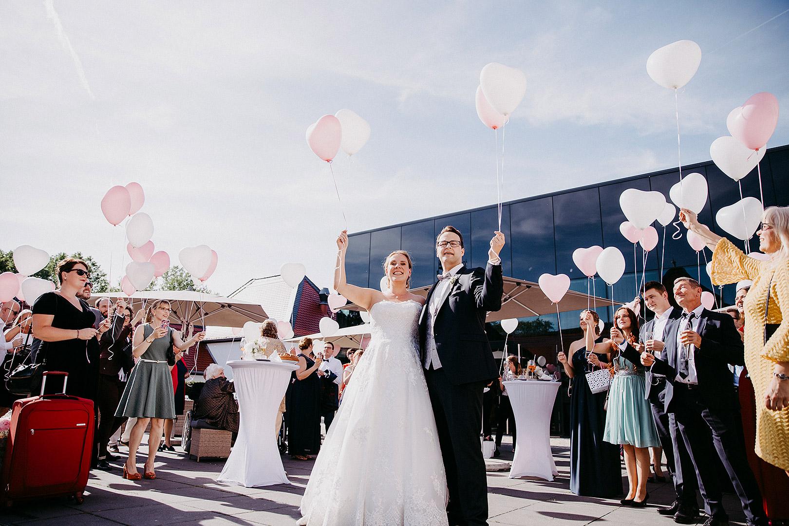 portrait_wedding_sandraundmichael_kirche_36