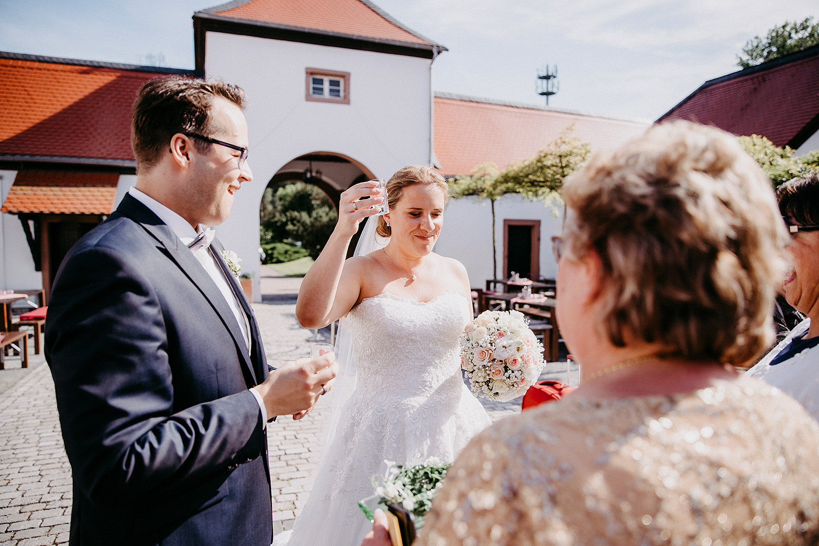 portrait_wedding_sandraundmichael_kirche_37