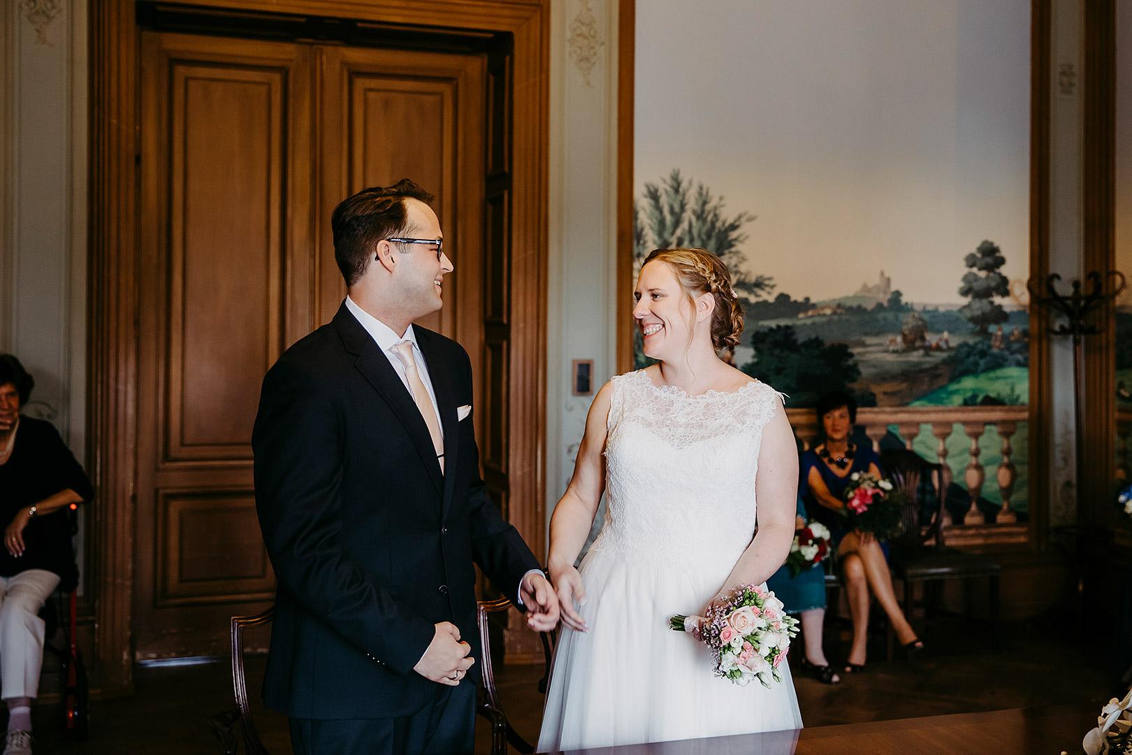 portrait_wedding_sandraundmichael_standeasamt_19