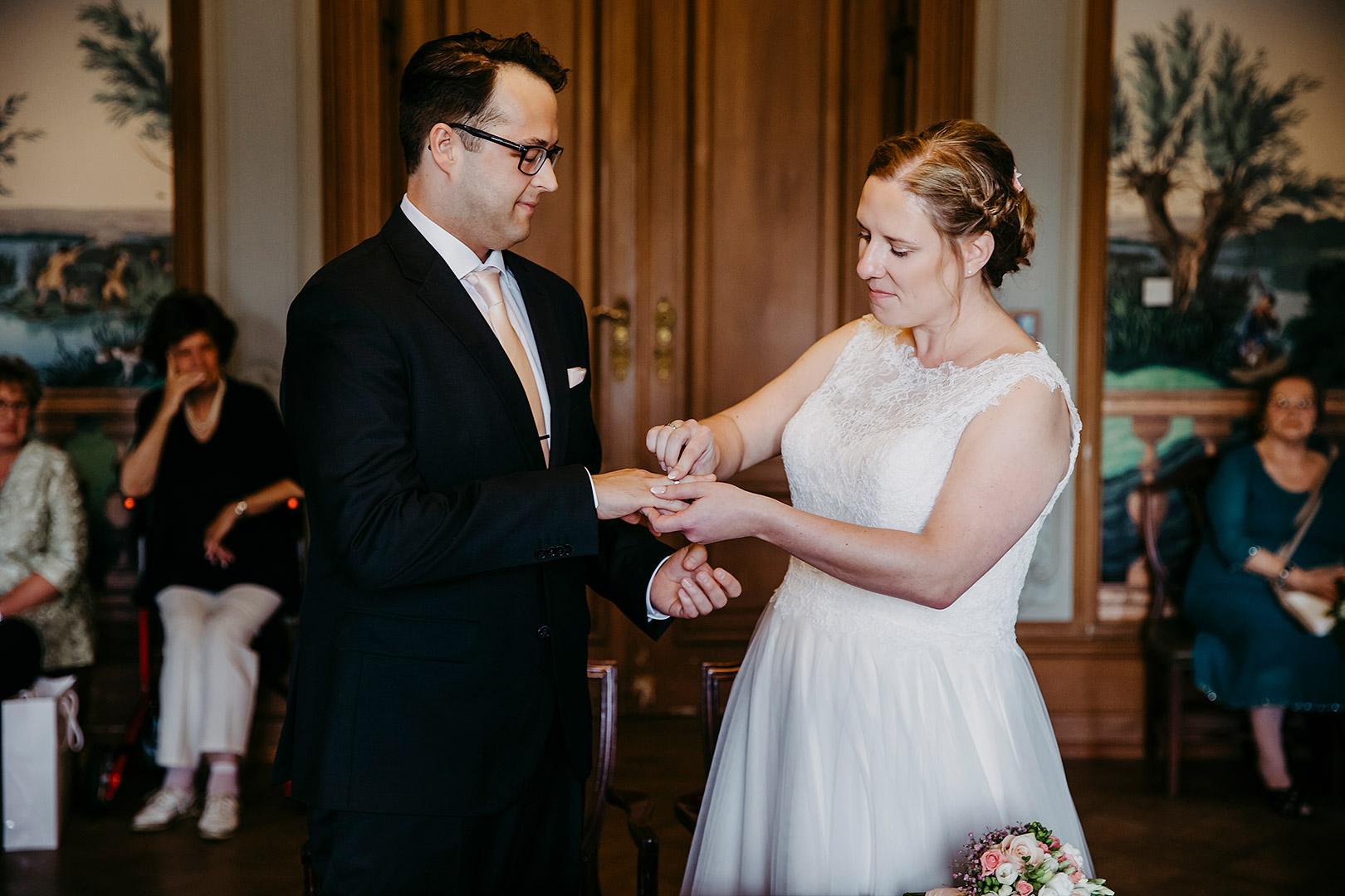 portrait_wedding_sandraundmichael_standeasamt_20