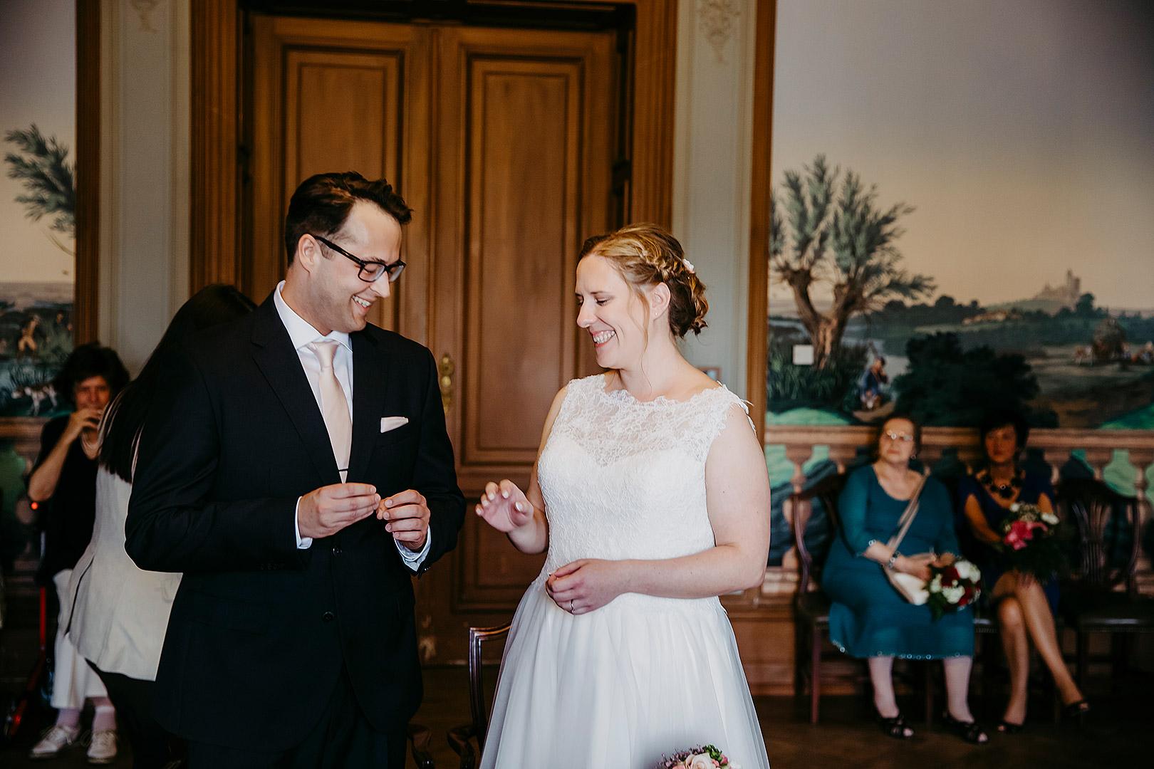 portrait_wedding_sandraundmichael_standeasamt_22