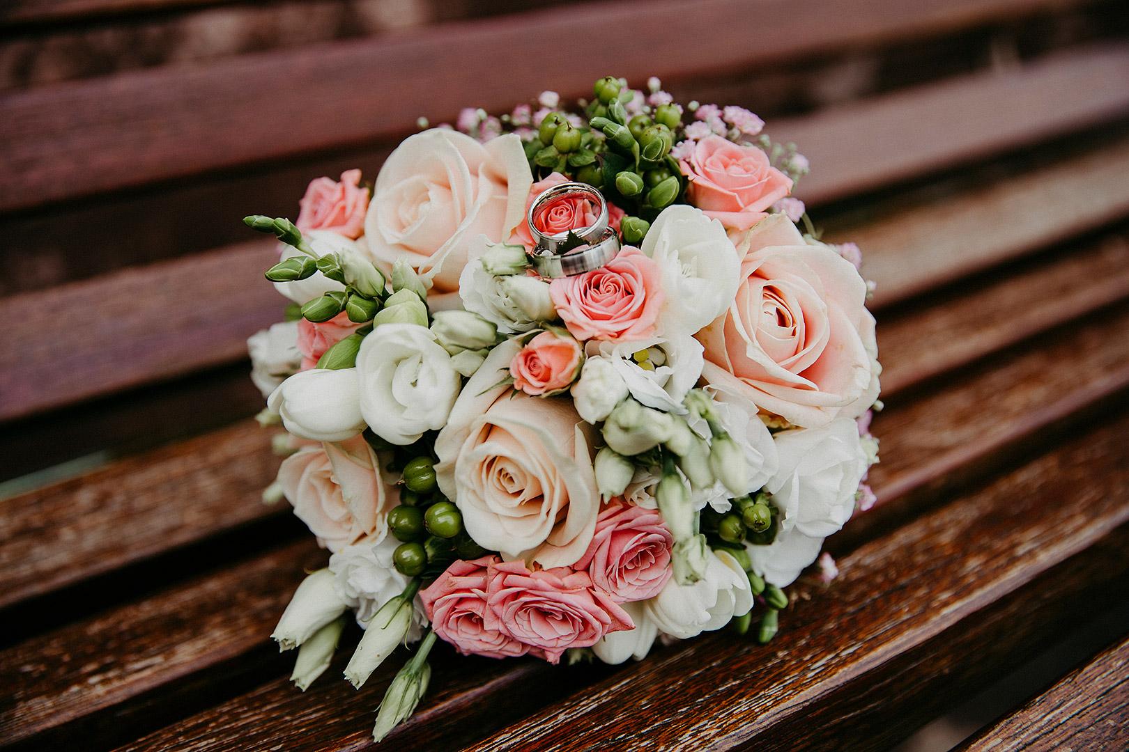 portrait_wedding_sandraundmichael_standeasamt_35